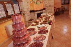 agriturismo la mongolfiera - allestimento-tavolo-festa