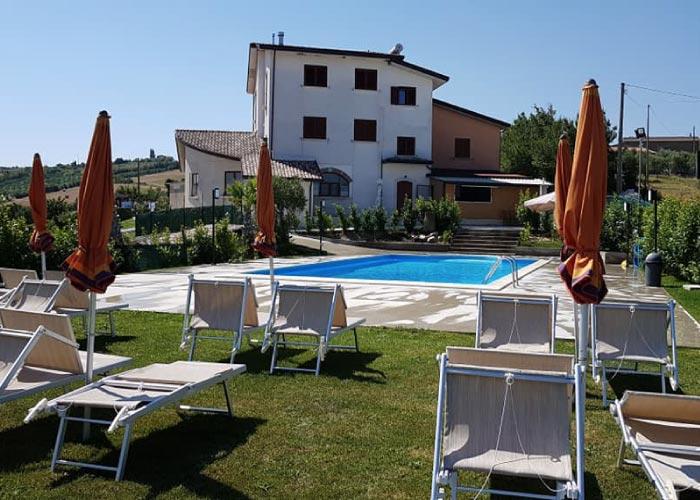 piscina solarium Fragneto Monforte